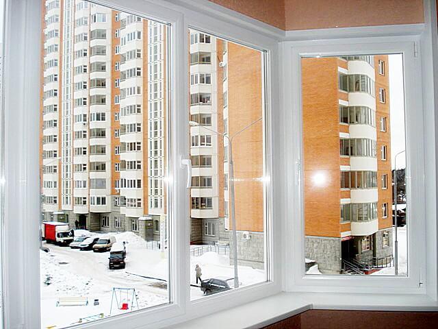 Остекление балкона профилем decco 60