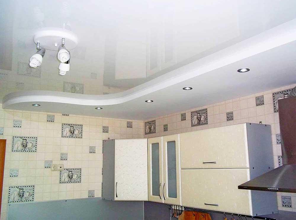 Глянцевый французский натяжной потолок